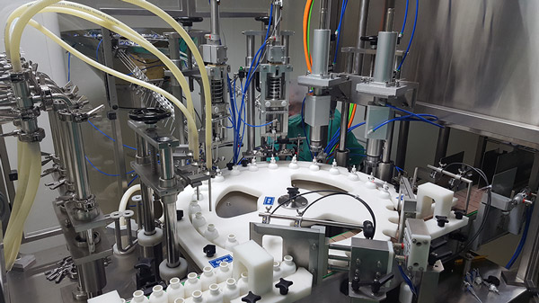 Monoblock for packaging liquid products